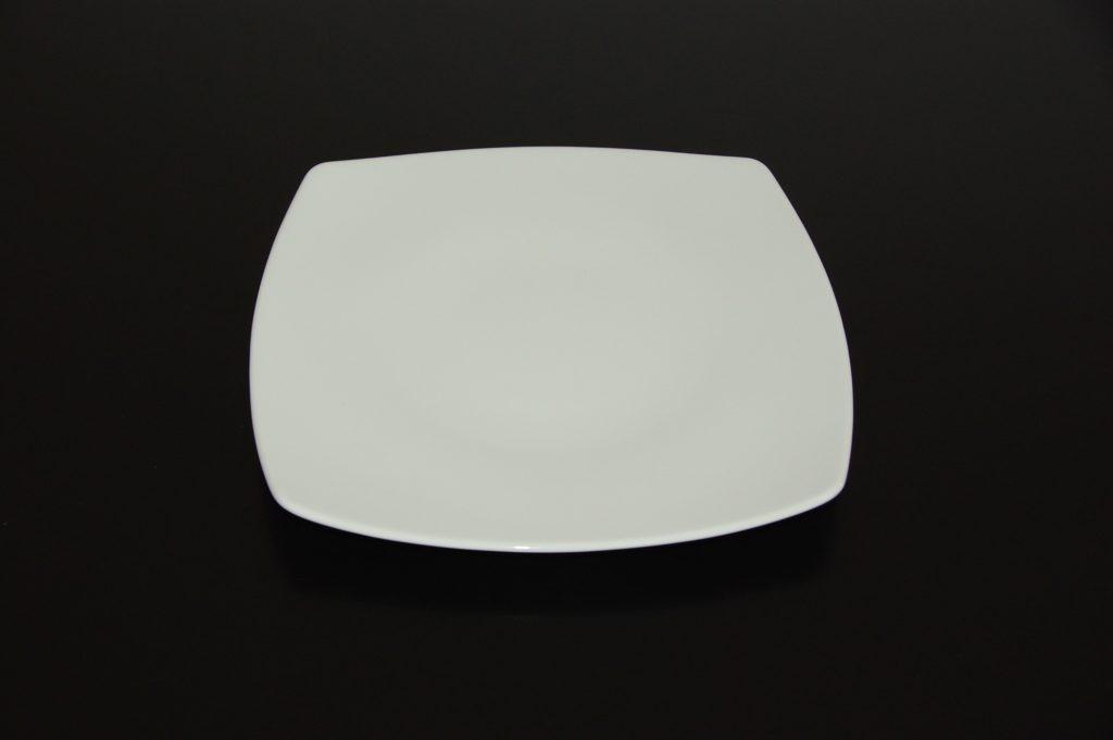 assiette blanche carrée kara