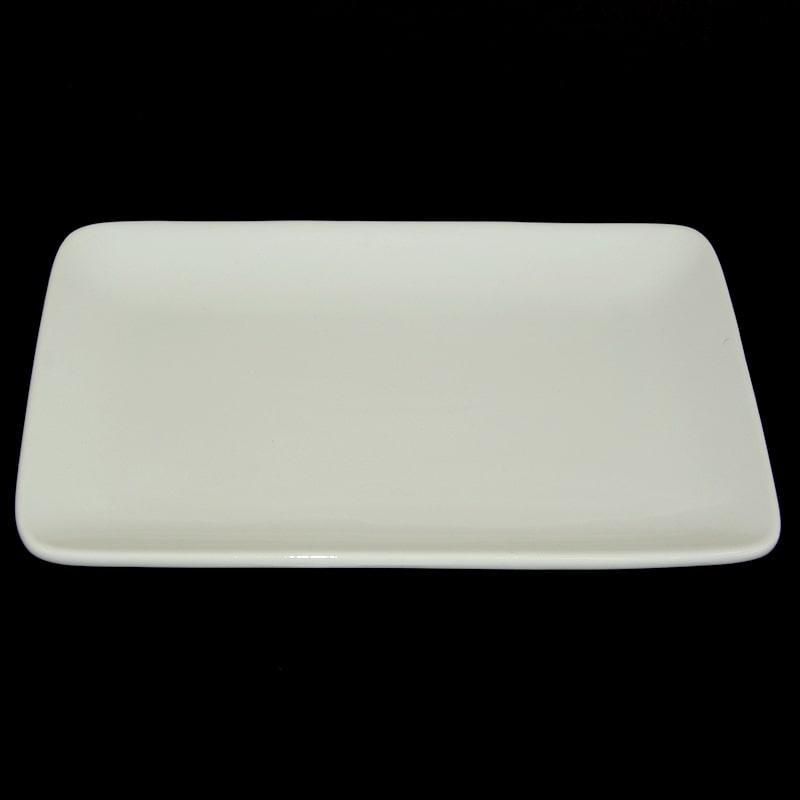 assiette rectangulaire blanche